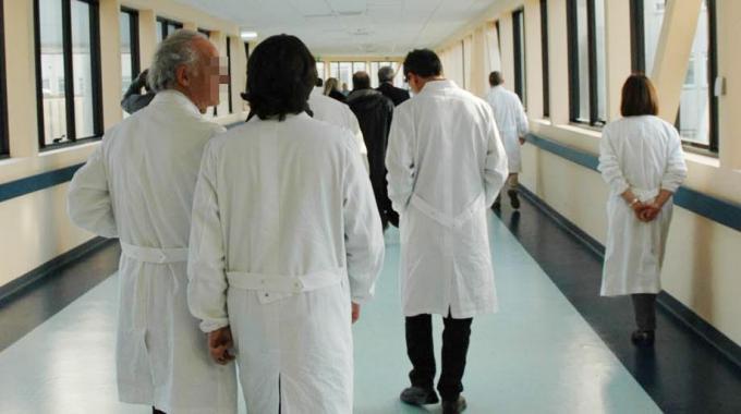 ASMO lancia l'S.O.S. sulla fuga dei medici