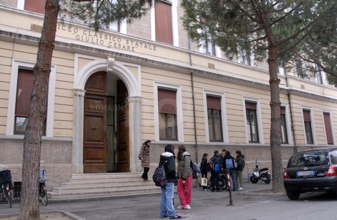 L'Italia apre online le iscrizioni per le scuole