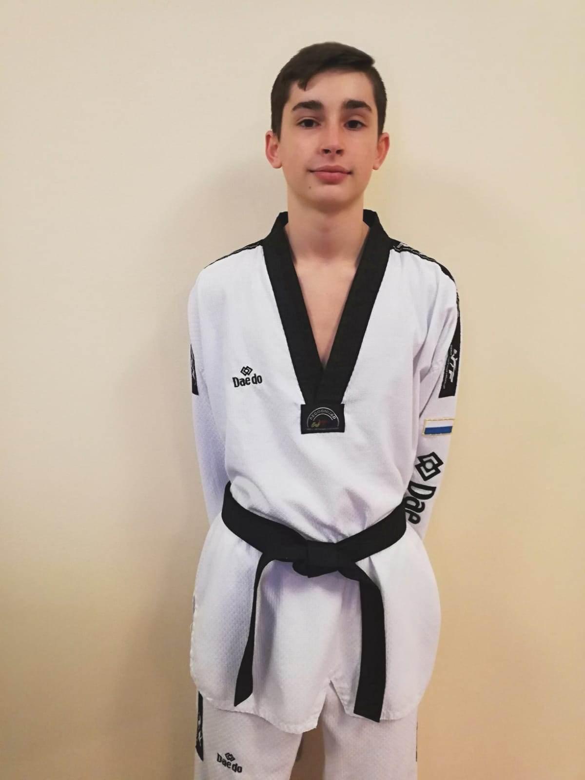 Stefano Crescentini, cintura nera a 14 anni