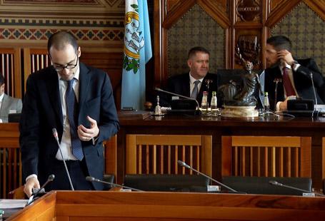 Sui banchi del Consiglio i gravi ritardi del tribunale